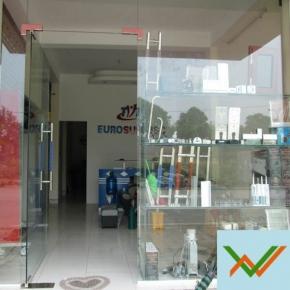 Cửa kính thủy lực cửa hàng
